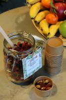 Bocal de fruits secs livré en entreprise